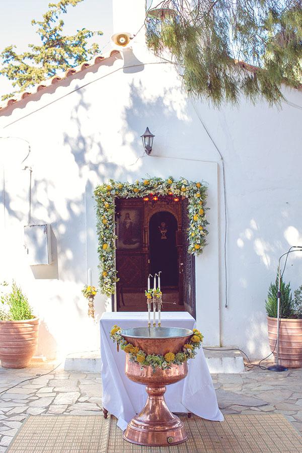 στολισμος-εκκλησιας-για-βαπτιση (3)