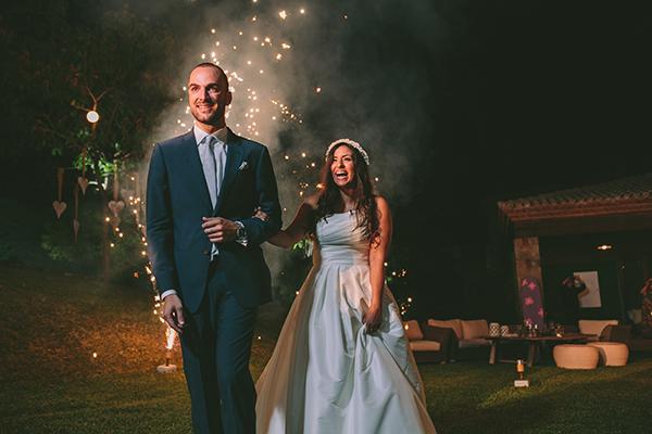 ρομαντικος-γαμος-σε-κτημα