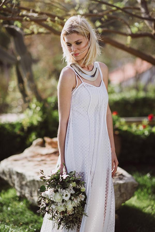 λευκο-φορεμα-καλοκαιρινο