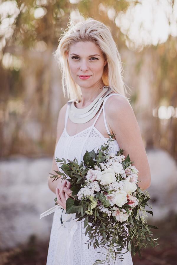 λευκο-φορεμα-με-τιραντες