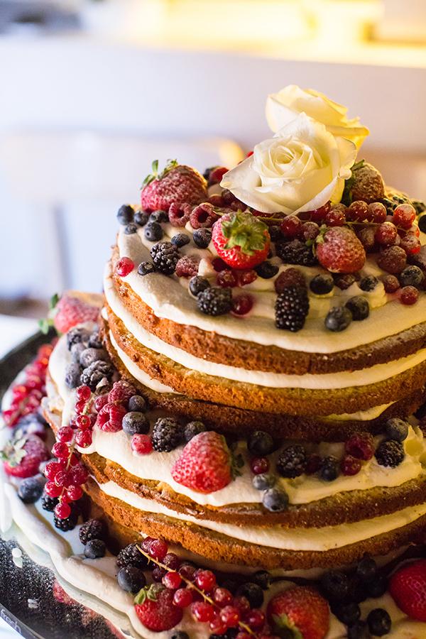 naked-cake-με-φρουτα