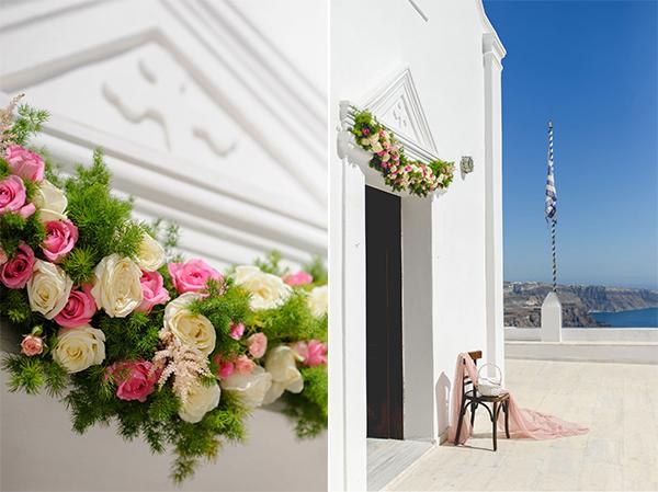 στολισμος-εισοδου-εκκλησιας-λουλουδια