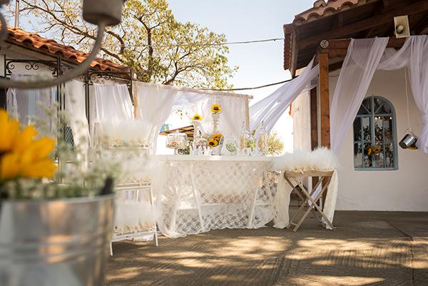 fall-wedding-xanthi-sunflowers-18