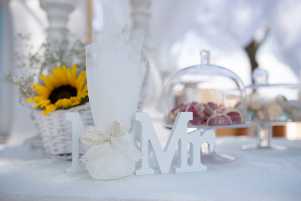 fall-wedding-xanthi-sunflowers-19