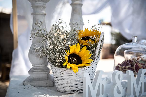 fall-wedding-xanthi-sunflowers-21