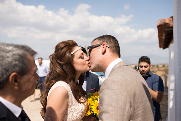 fall-wedding-xanthi-sunflowers-24