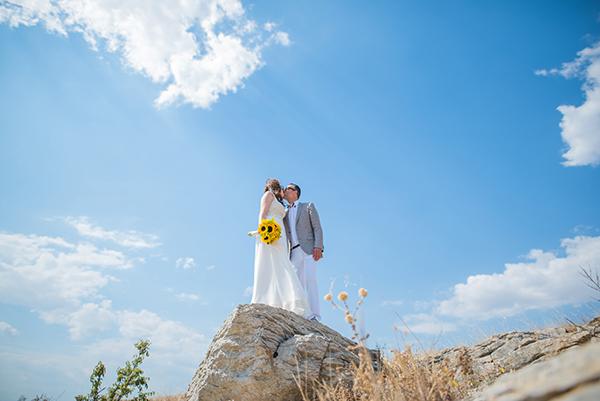 fall-wedding-xanthi-sunflowers-28