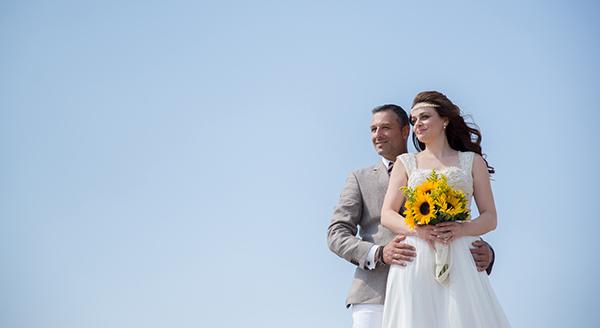 fall-wedding-xanthi-sunflowers-29