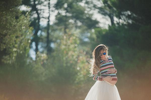 lovely-maternity-session-lake-3