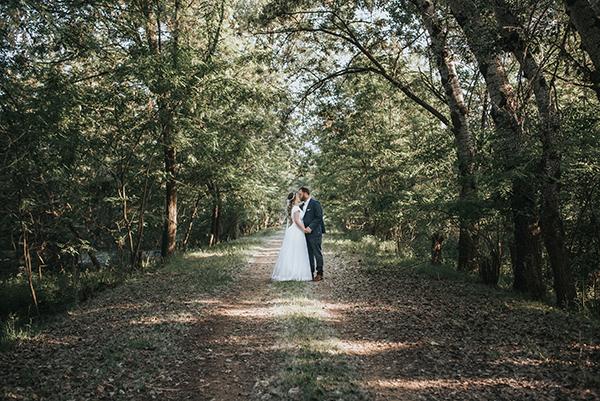 pretty-spring-wedding-xanthi-30