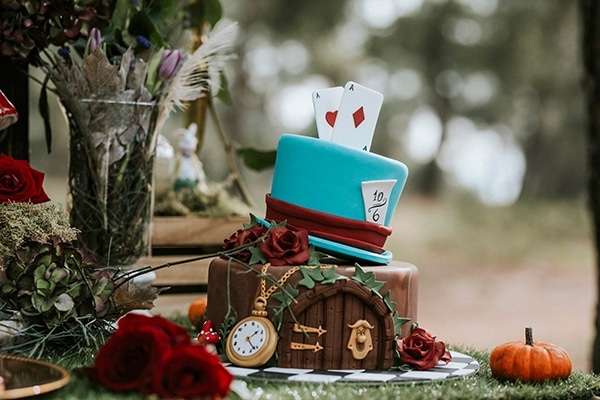 fairytale-baptism-ideas-alice-wonderland-6