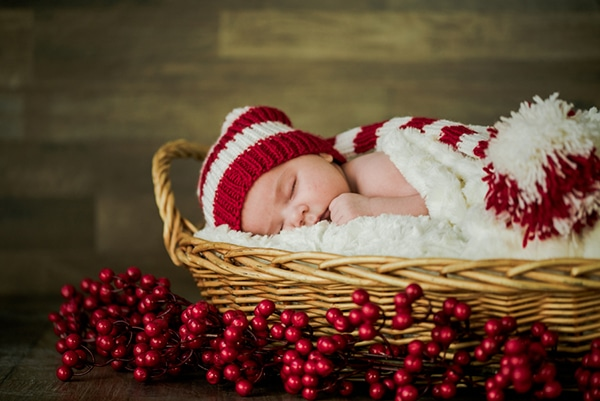 the-cutest-christmas-newborn-session-9