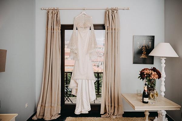 fairytale-winter-wedding-burgundy-colour_04