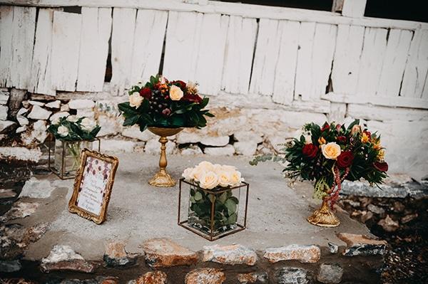 fairytale-winter-wedding-burgundy-colour_13