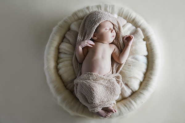 sweet-newborn-session-earthy-tones_02