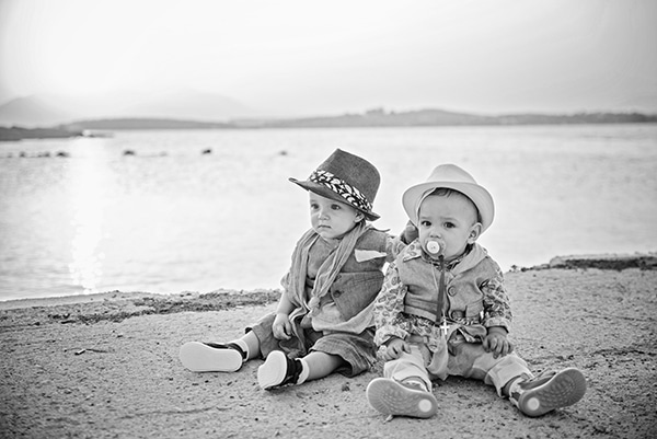 sweet-twins-baptism-sea_15