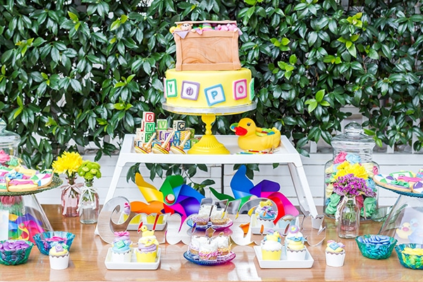 colorful-toys-themed-baptism-decoration_02