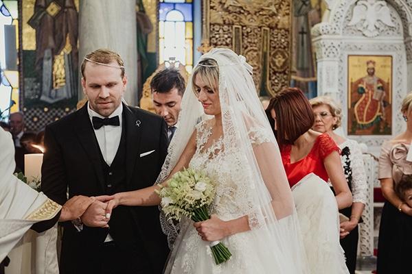 beautiful-fall-wedding-white-hues_19