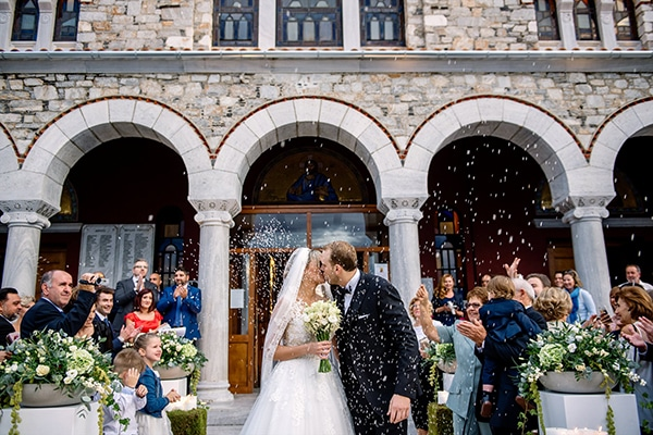 beautiful-fall-wedding-white-hues_20