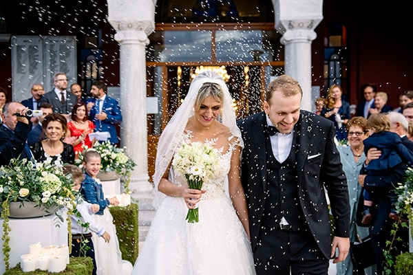 beautiful-fall-wedding-white-hues_21