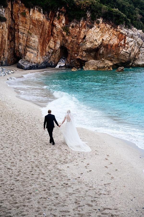 beautiful-fall-wedding-white-hues_23