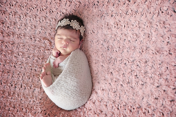 cute-newborn-photoshoot-pink-hues_01