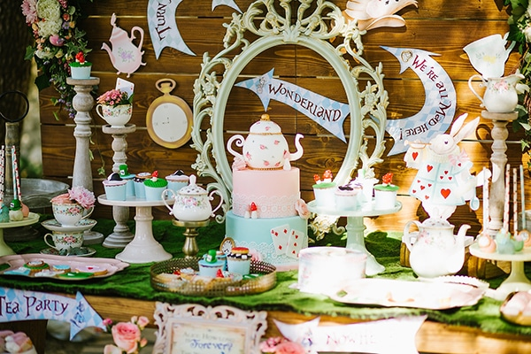 dreamy-baptism-alice-in-wonderland-theme_08