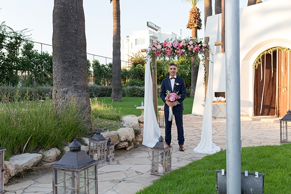 romantic-wedding-cyprus-blush-hues_11