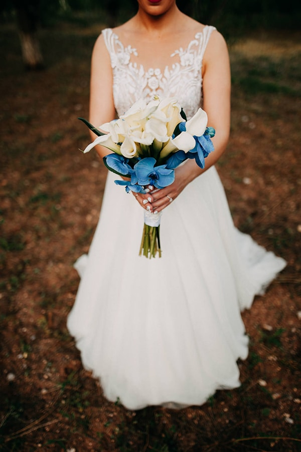 romantic-wedding-white-blue-hues_04
