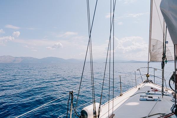 unique-bachelorette-party-sailing-boat_02