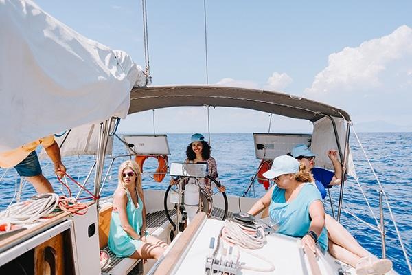 unique-bachelorette-party-sailing-boat_03