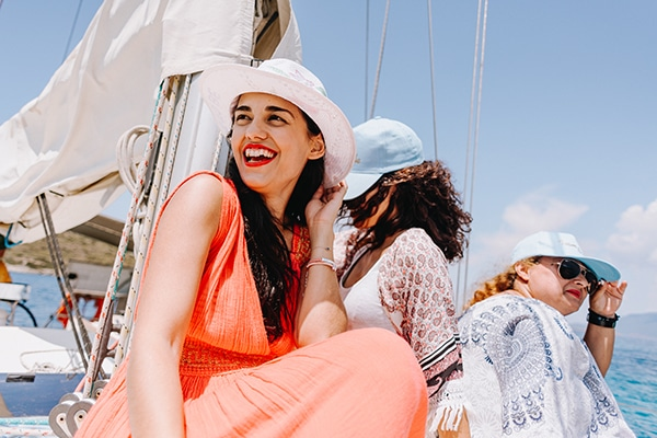 unique-bachelorette-party-sailing-boat_07