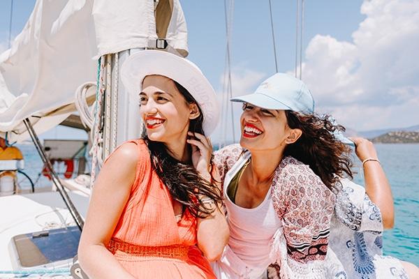 unique-bachelorette-party-sailing-boat_08