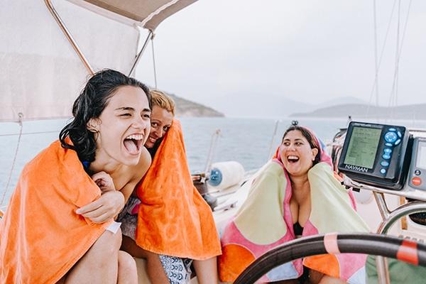 unique-bachelorette-party-sailing-boat_17