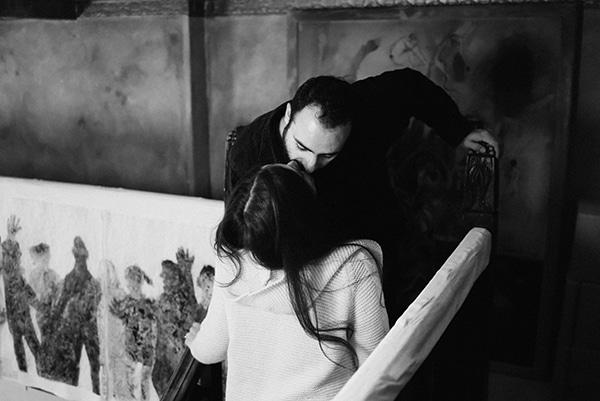 romantic-prewedding-shoot-bookstore_03