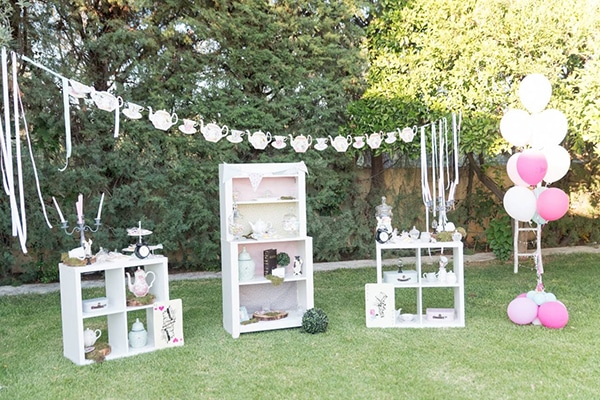 girl-baptism-decoration-ideas-alice-wonderland_07