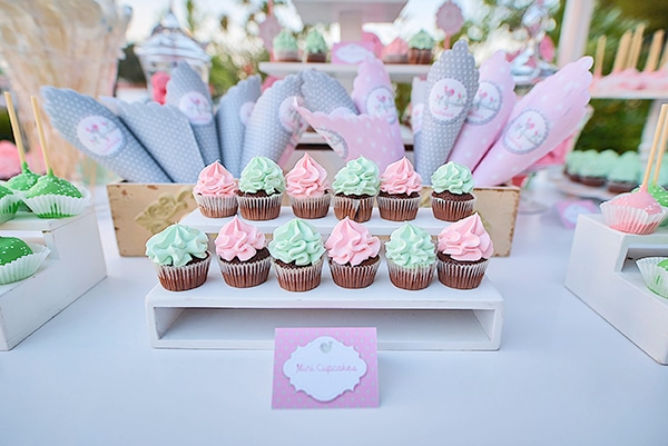 beautiful-ideas-girl-baptism-little-bird-theme_19
