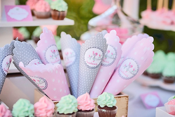 beautiful-ideas-girl-baptism-little-bird-theme_21