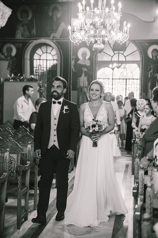 beautiful-summer-wedding-vivid-colours-rustic-details_25