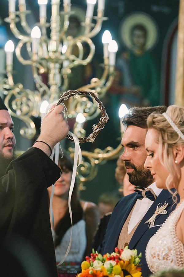 beautiful-summer-wedding-vivid-colours-rustic-details_27