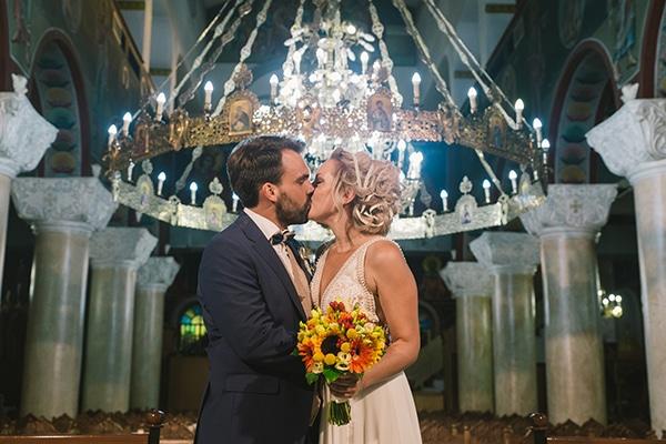 beautiful-summer-wedding-vivid-colours-rustic-details_30