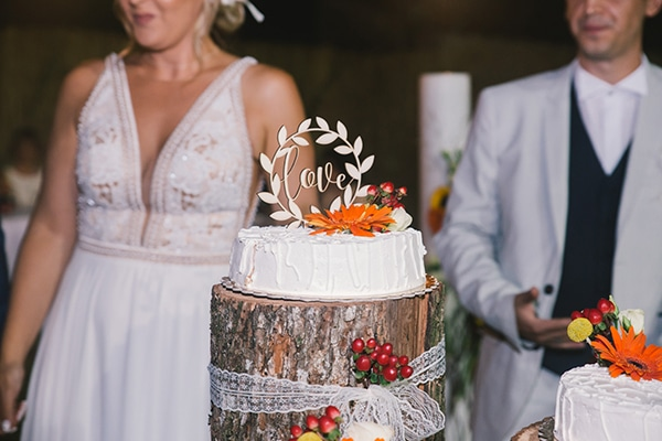 beautiful-summer-wedding-vivid-colours-rustic-details_37x