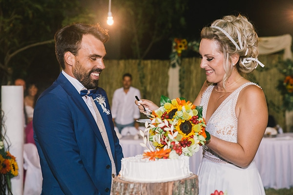 beautiful-summer-wedding-vivid-colours-rustic-details_39