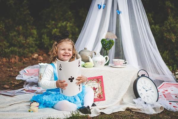 fairytale-photoshoot-alice-wonderland_01