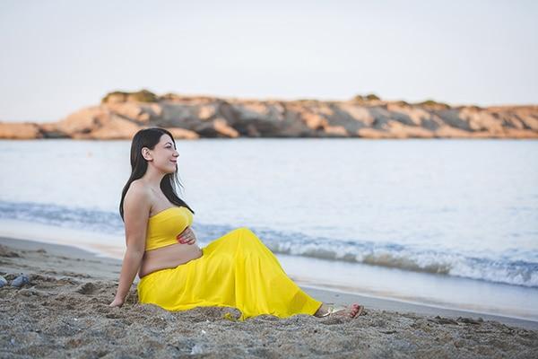 beautiful-prenatal-photoshoot-beach_09
