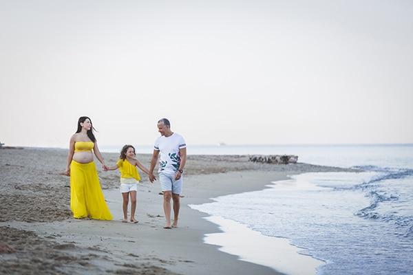 beautiful-prenatal-photoshoot-beach_11x