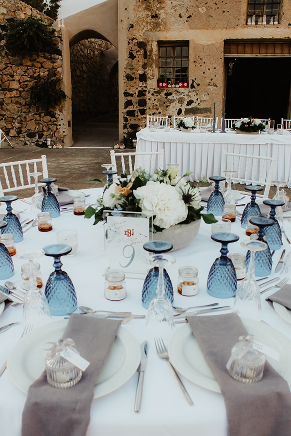 beautiful-wedding-baptism-decoration-ideas-blue-hues_12