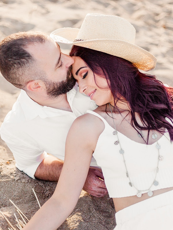 dreamy-beach-engagement-shoot_03
