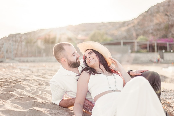 dreamy-beach-engagement-shoot_04