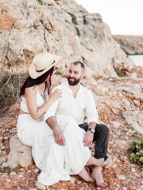 dreamy-beach-engagement-shoot_09